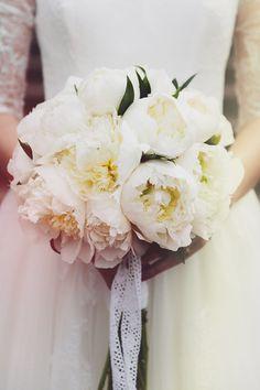 tolala wedding photography - peonnies