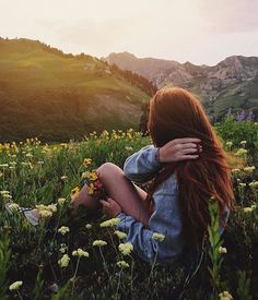 flower child Source by shopthreads Picture Poses, Photo Poses, Fotografia Vsco, Cute Pictures, Beautiful Pictures, Photo Portrait, Summer Photos, Tumblr Girls, Adventure Is Out There