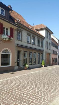 <3 <3 <3 Renovierungsbedürftiges Haus in Ettenheim, hist. Altstadt, Bj. 19. Jh., 280qm Wohnfläche, 300qm Grundstück, Dachterasse & Garten,  280.000€