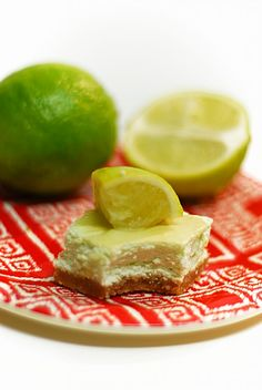 Low Carb Key Lime Cheesecake Bars - Creamy and tangy!! #healthy #dessert