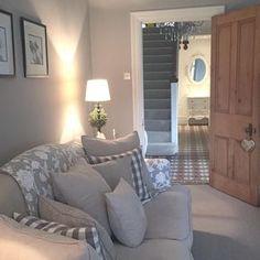 Becks Thwaite ( becksthwaitehome) • Instagram photos and videos. Relooking  MaisonAmenagement SalonDeco AppartementMaison ... b2e7e5ea6773