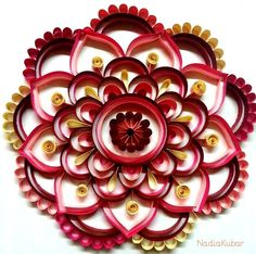 Mandala 5 Quilling Arte Quilling, Quilling Flowers, Paper Flowers, Paper Quilling Tutorial, Quilling Paper Craft, Paper Crafts, Quilling Patterns, Quilling Designs, Crafts To Sell