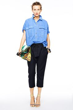 30 Sweatpants Outfits That Are Chic, Not Schlubby #refinery29 http://www.refinery29.com/best-sweatpants-outfits#slide2