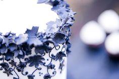 Inspiration Rockabilly: Hochzeitstorte schwarz & weiß