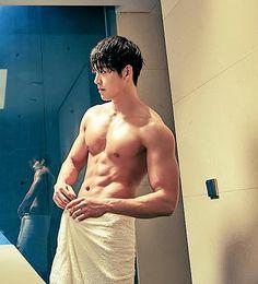 Kim Woo Bin's eyebrows and other parts too. Kim Woo Bin, Korean Men, Korean Actors, Asian Boys, Asian Men, Uncontrollably Fond, Human Reference, Gym Body, Japanese Men