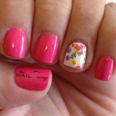 Spring flowers gel nail art design @the_nail_lounge_miramar