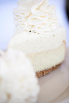 Vanilla Bean Cheesecake | The Cheesecake Factory EXTREMELY TIME CONSUMING. but delish in the end.