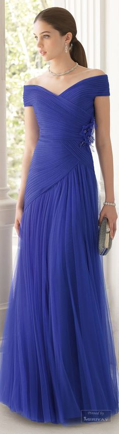Aire Barcelona.2015 - Pretty flowing gown.
