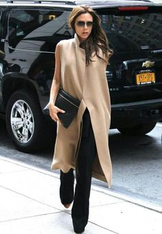 Camel Sleeveless overcoat with leather clutch