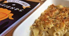 Si tú también has soñado con compartir una comida de Acción de Gracias con los personajes de la serie Friends, estás de suerte  hoy te enseñamos a preparar los macarrones con queso de Monica.
