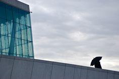 Lola Fauconnet, jeune urbaniste et photographe expose ses clichés à la boutique Les Heures Maison à Saint-Mandé Rue, Saint, Skyscraper, Multi Story Building, Louvre, Boutique, Travel, The Hours, Places
