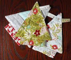 sew christmas tree trivets (pot holders)