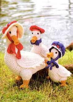PDF Digital Vintage Crochet Pattern A Family of Geese Mother and sister with bonnets and brother with a pageboy hat Mother Goose 13 tall Brother Free Knitting Patterns For Women, Crochet Applique Patterns Free, Vintage Crochet Patterns, Amigurumi Patterns, Crochet Birds, Crochet Animals, Crochet Chicken, Stuffed Toys Patterns, Crochet Projects