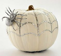10 DIY Halloween Pumpkin Decorating Ideas