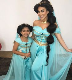 Who is your favourite Disney Princess ? 😍 Mine is jasmine and I'm loving how fits so perfect to the look 😍 Wish she was doing the jasmine role in 😍 . Arabian Princess, Huda Kattan, Famous Singers, Mom Daughter, Famous Women, Halloween, Huda Beauty, Fashion Beauty, Blog