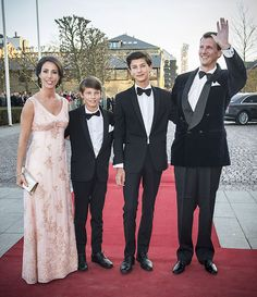 Prins Nikolai mag eindelijk een biertje, want hij is 16! #congrats >> http://www.beaumonde.nl/royalty/royal-kids-royalty/prins-nikolai-mag-een-biertje/?utm_content=buffercc79a&utm_medium=social&utm_source=pinterest.com&utm_campaign=buffer #royalty