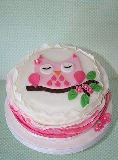 Lemon Tree Bakery: Pretty pink owl with ruffles