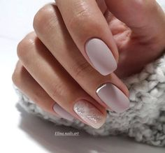 If you're looking to do seasonal nail art, spring is a great time to do so. The springtime is all about color, which means bright colors and pastels are becoming popular again for nail art. These types of colors allow you to create gorgeous nail art. Shellac Nails, Matte Nails, Manicures, Acrylic Nails, Bridal Nails Designs, Wedding Nails Design, Nail Art Designs, Perfect Nails, Gorgeous Nails