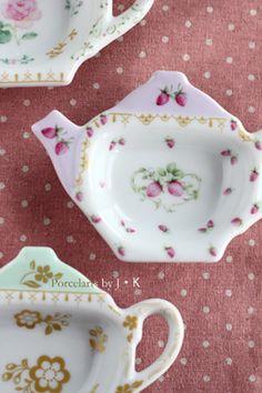 Bag Holders, Tea Pot Set, Tea Caddy, Shabby Chic Kitchen, China Painting, Tea Accessories, Afternoon Tea, Decorative Items, Tea Time