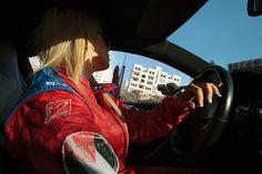 Conocemos a las corredoras de coches de Palestina