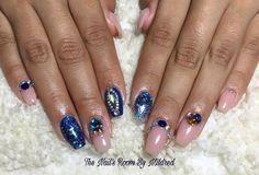 My lovely client brought a pic of the extremely talented @vanessa_nailz, hope I did them justice #thenailsroom #uñas #uñasacrilicas #uñasdecoradas #nails #acrylic #acrylicnails #coffinnails #taperednails #nudenails #glitter #bluenails #swarovskinails #crystals #dainty #pretty #nailpro #nailpromote #nailprodigy #nailsmagazine #nailitdaily