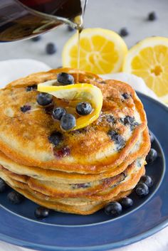 These tasty Paleo Lemon Blueberry Pancakes are gluten free grain free dairy free and sure to please even the finickiest eater! Sin Gluten, Sem Gluten Sem Lactose, Paleo Baking, Baking Flour, Oat Flour, Baking Soda, Quinoa, Lemon Blueberry Pancakes, Blueberry Breakfast