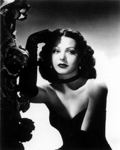 The beautiful Hedy Lamarr can find Classic hollywood and more on our website.The beautiful Hedy Lamarr Vintage Hollywood, Old Hollywood Glamour, Vintage Vogue, Classic Hollywood, Hollywood Stars, Hollywood Icons, Hollywood Actresses, Actrices Hollywood, Classic Beauty