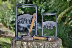 The Kindling Cracker King and its little brother :) Makes cutting firewood extremely safe. Anyone can use this tool, both young and old! School Science Projects, Log Fires, You Are The World, Science Fair, Lord Of The Rings, The Hobbit, Crackers, Inventions, Avatar