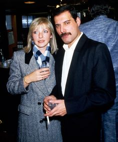 Nice photo of Freddie Mercury and Mary Austin