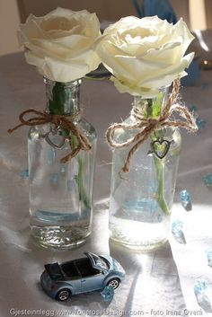 Blomsterinspo Glass Vase, Home Decor, Homemade Home Decor, Interior Design, Decoration Home, Home Interiors, Home Decoration, Interior Decorating, Home Improvement