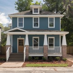 Best Exterior Paint Colors For House With Porch Landscaping Ideas Exterior Paint Schemes, Best Exterior Paint, Exterior Paint Colors For House, Paint Colors For Home, Paint Colours, Blue Colors, House Siding Colors, Exterior Color Combinations, Roof Colors