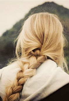 A simple braid is always a good idea ♥ I wish my hair was a little lighter like this...