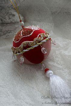 """Купить Украшение на ёлку """"Гранатовые зерна"""" в интернет магазине на Ярмарке Мастеров"""