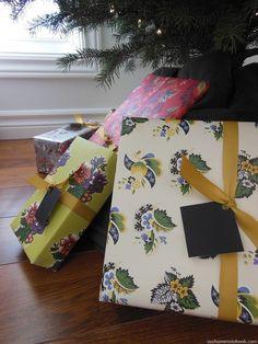 vintage inspired floral gift wrap