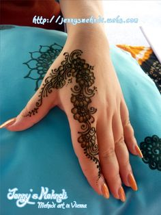 The Ethnic Henna (Mehndi) Artwork Full Mehndi Designs, Modern Henna Designs, Finger Henna Designs, Henna Art Designs, Mehndi Design Photos, Mehndi Designs For Fingers, Beautiful Mehndi Design, Simple Henna Tattoo, Henna Tattoo Hand