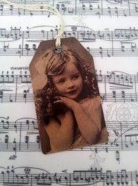 Label meisje strik   Nostalgie   Nostalgie & Brocante