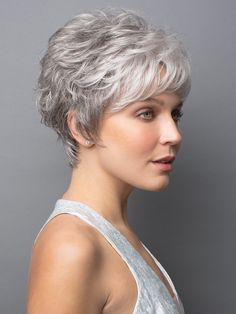 Long pixie hairstyles are a beautiful way to wear short hair. Many celebrities are now sporting this trend, as the perfect pixie look can be glamorous, elegant and sophisticated. Here we share the best hair styles and how these styles work. Grey Wig, Short Grey Hair, Short Hair With Layers, Short Hair Cuts For Women, Teenage Hairstyles, Pixie Hairstyles, Pixie Haircut, Easy Hairstyles, Hairstyles Videos