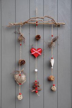 mobile esprit hiver no l avec c urs en bois bois flott beau sapin fruits rouges. Black Bedroom Furniture Sets. Home Design Ideas