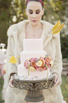 Valentine's Wedding Cake|Rustic & Shabby Chic Valentines Wedding Inspiration| Photographer: Andie Freeman Photography