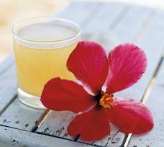 Mit diesem beautydrink aus Ananaswasser unterstützt Ihr Euren Körper besonders lecker – und preiswert.http://www.fuersie.de/gesundheit/abnehmen/artikel/ananaswasser-eine-kur-fuer-strahlende-haut