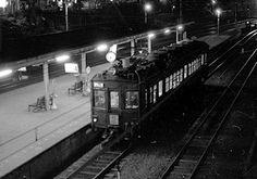 国分寺に停車するクモハ40 下河原線 (1972年9月)