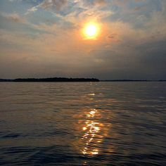Not wanting to let go of summer which is unusual for me. It has been a perfect summer. #lakeminnetonka #minnesota #mn #exploremn #fishing #nature #summer #sunset #mnlakelife #fish #gonefishin #lakelife #lake #minnetonka #tonka #waves #sun #water #clouds