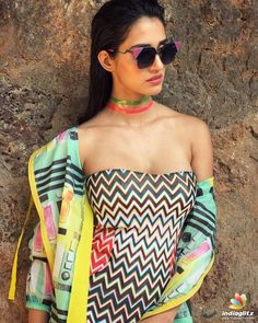 Bollywood Actress Hot Photos, Bollywood Celebrities, Tamil Actress, Bollywood Girls, Sonam Kapoor, Deepika Padukone, Beautiful Indian Actress, Beautiful Actresses, Hot Actresses