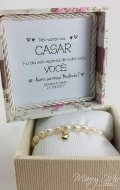 Olha só que convite fofo marque sua futura madrinha . Perfect Wedding, Our Wedding, Dream Wedding, Wedding Favors, Wedding Invitations, Wedding Decorations, Box Creative, Marry You, Special Day