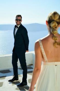 First look in Santorini by photographer Anna Shulte #Santorini #wedding #firstlook #destination  http://santorinivacationphotography.com/