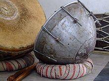 Dukar-Tikar - Wikipedia, the free encyclopedia. Kettle drum to accompany the Shehnai
