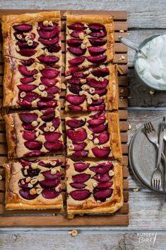 Er is geen enkel seizoen met zoveel mooi en vers fruit als de zomer. Dit zijn mijn 4 favoriete recepten die je kunt bakken met zomerfruit! Superlekker!