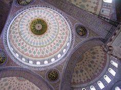 思わず息を飲む!世界中のモスクの天井が繊細で美しすぎる