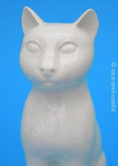 Alt Tirschenreuth 1838       Siam - Katze  * feinstes Porzellan - made in germany * * Höhe etwa 14 cm * * Breite etwa 9 cm *