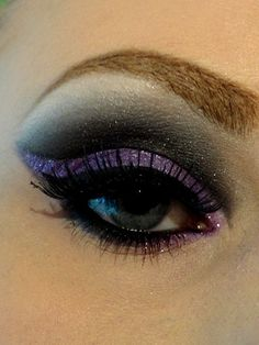 Black and purple winged dramatic eye make up #eyes #makeup #eyeshadow by dolores